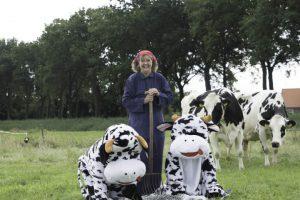 Wachtend op de echte koeien